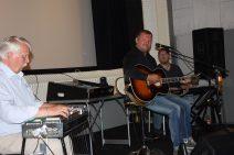 Hallur støttede Broen - Vejen med gratis koncert til fordel for Børn og Unge !